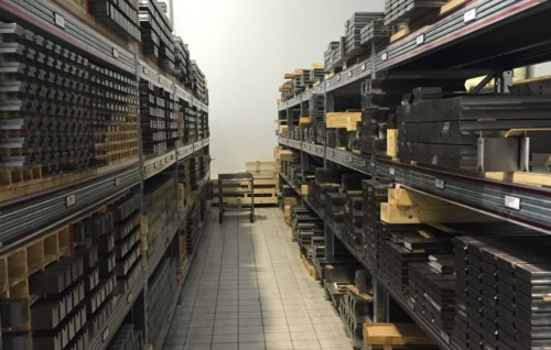 Press brake tools storage and stock